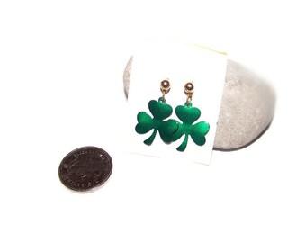 Vintage green clover dangle earrings, green dangle earrings, St. Patrick's Day earrings, clover leaf earrings, pierced earrings