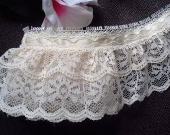 Ruffled Lace with Ribbon, 2+1/2 inch wide ivory/ivory selling by the yard