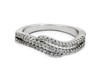 Fashion Pai sparkling crystal ring