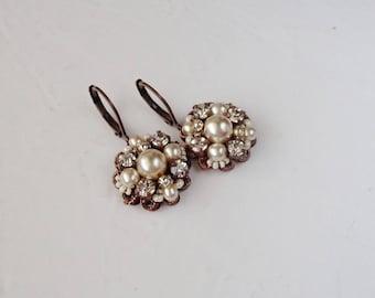 Pearl Bridal Earrings. Wedding Rhinestone Jewelry. Rhinestone Earrings. Vintage Style Wedding Jewelry. Victorian Earrings. Pearl Jewelry