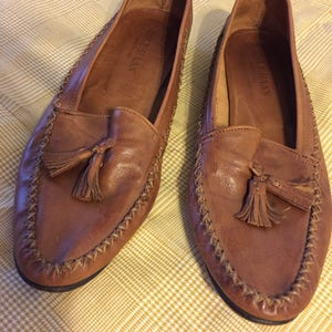 Vintage Cole Haan womens loafers size 6 with tassels chestnut brown leather  moccasins