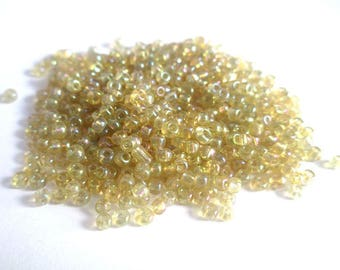 10gr Rainbow yellow seed beads in sky 2mm (about 800 beads)