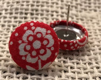 Flower button earrings!