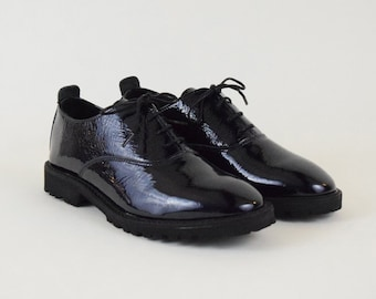 Patent Navy Oxford Shoes