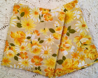 Vintage Lady Pepperell Pillowcases - All Cotton Combed Percale - Yellow Floral Flowers Cotton Bedding - Unused - New