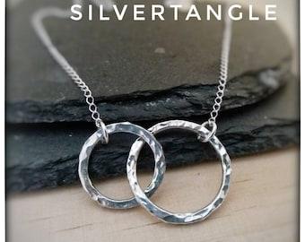 Silver Interlocking Circles Necklace - Intertwined Circles Necklace - Hammered Silver Necklace - Silver Circle Necklace - FREE UK P&P