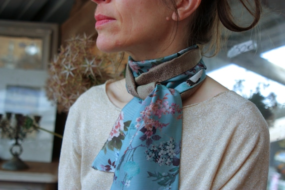 Scarf, Ascot, tie women blue antique Chinoiserie cranes and flowers Motifs and gold Acetate