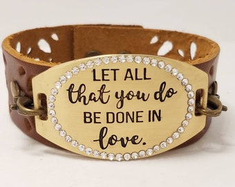 Leather wristband / Brown leather cuff bracelet / Inspirational quotes / Women's leather bracelet / Adjustable bracelet / Gift / Shakespeare