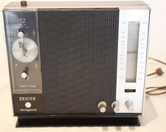 Vintage Zenith AM/FM/AFC Solid State Touch N Snooze Clock Radio Model A-469-W - circa 1960's