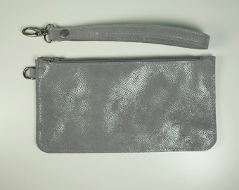 MAISI - Small clutch in shiny silver leather 21 x 11 cm