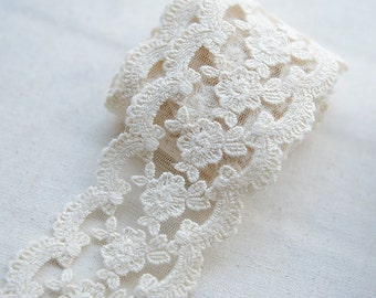 5 yards Vintage Style Cotton Lace Trim, Floral Embroidered Trim Lace , Scalloped Lace Trim