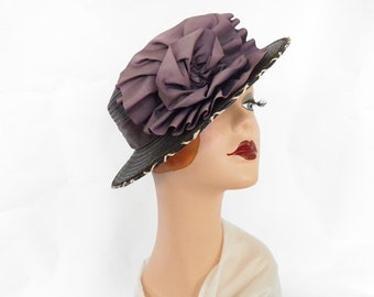 Vintage 1930s hat, woman's tilt boater with lavender bow.