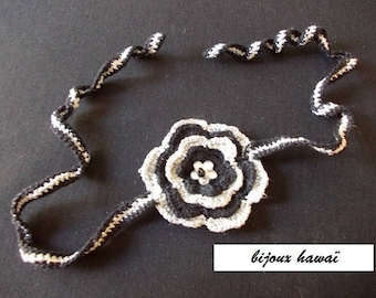 the collar crochet black and silver