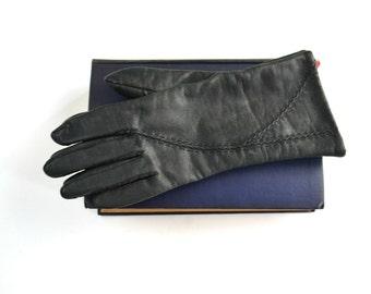 Vintage Black Vinyl Ladies Driving Gloves, Winter Gloves, Wrist Length, Size 6 1/2