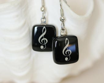 Music Note Black and White Fused Glass Earring, Drop Earrings, Dangle Earrings, E0170, GetGlassy