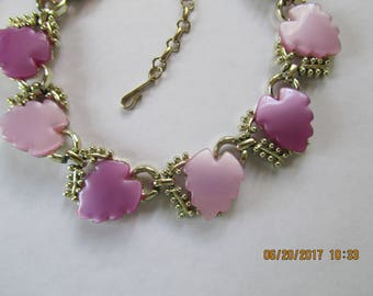 LUCITE THERMOSET NECKLACE, Purple and Lavender