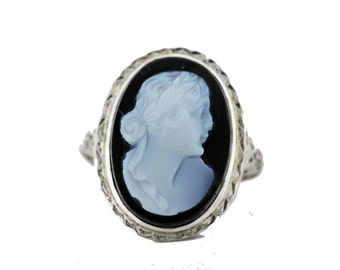 Carved Onyx Cameo Filigree Ring 18K Gold