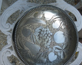 ANTIQUE Silver Plated JAMES W. TUFTS Fruit Embossed Beaded Bowl