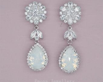 Flower Stud Earrings Swarovski Wedding Earrings in Silver White Opal Bridal Jewelry Bridal Chandelier Earrings poročni nakit