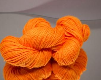 Hand dyed worsted - Hunter's Orange - 100% Superwash Merino wool yarn - 4 ply