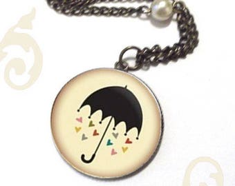 NECKLACE sings in the rain