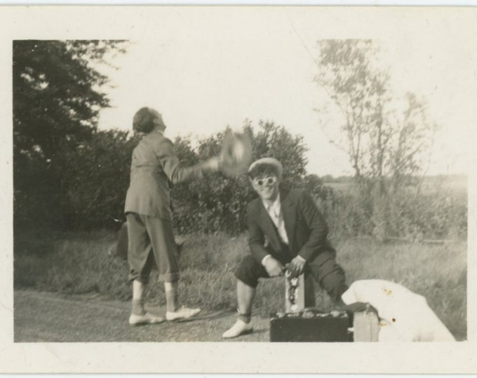 Vintage Snapshot Photo, c1930s: Hitchhikers [84663]