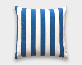 Funda de almohada a tiro de raya azul cobalto. 16 x 16 pulgadas. Raya azul. Funda de almohada decorativa. Pabellón azul rayas funda de almohada.