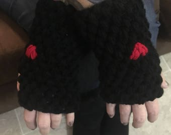 Fingerless Gloves with Heart stitch