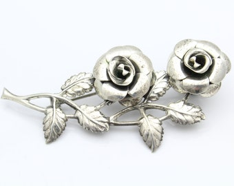 Vintage Lang Large Double Rose Brooch in Sterling Silver. [8445]