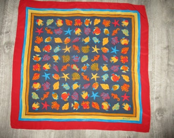 Scarf vintage BALLY silk, in very good condition, hemmed by hand, this label, 84 X 85 cm
