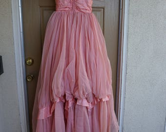 Vintage 1950s 1960s pastel peach prom dress gown with back metal zipper small estimated size 5 40s 50s 60s