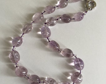 Elegant Lilac Amethyst necklace with silver clasp