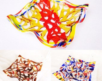 Decorative stained-glass bowl for sweets and fruits