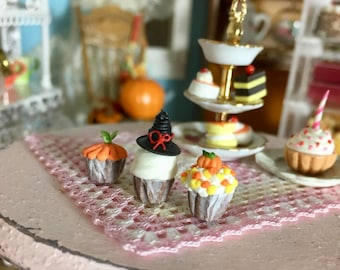 Miniature Halloween Cupcakes, Set of 3, Dollhouse Miniature, 1:12 Scale, Miniature Food, Mini Cupcakes, Dollhouse Food, Accessories, Decor