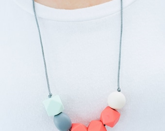 SALE Teething Necklace Silicone Nursing Necklace Lillie - Coral Slate