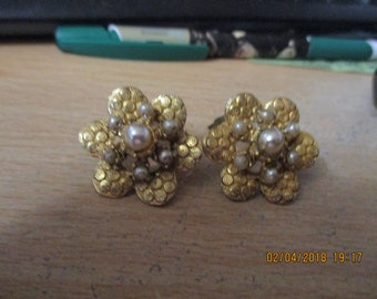 """vintage goldtone floral shape clip on earrings faux pearl centre with faux seed pearls scallop shapes on goldtone 1.1/5"""" across"""