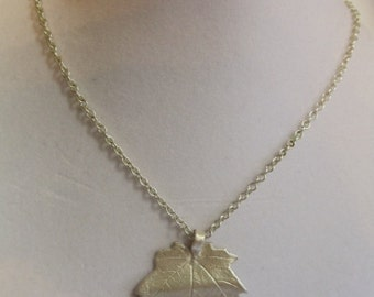 """18"""" Maple Leaf Pendant on Silver Chain with Magnetic Clasp, maple, leaf, pendant, necklace"""