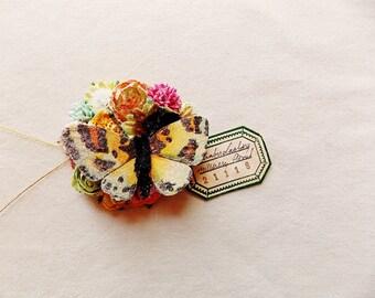 Schmetterling Kollektion grün orange Rosen Rosa Aqua Blüten schillernden Sternenstaub Glitzer Handarbeit Maulbeerseide blumencorsage