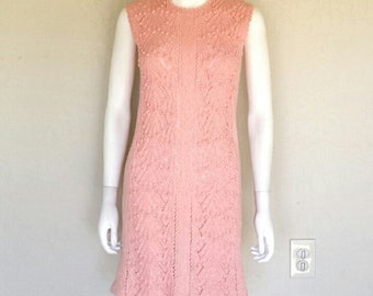 Gorgeous VTG pink 50s 60s texture knit dress  Sz small