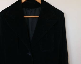 1970s vintage ladies black velveteen jacket