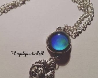 Color changing necklace & silver fish