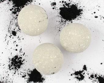 Detox Bath Bomb - (1) One All Natural Bath Bomb Fizzie - Essential Oil Bath Bomb