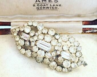 Pretty Sparkling Vintage Clear Rhinestone Art Deco Style 60s Brooch, Vintage Jewellery, Vintage Rhinestone Brooch.
