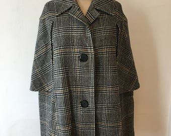 Vintage plaid cape black and white houndstooth plaid