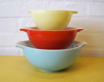 Full set of vintage Pyrex Carnival Cinderella bowls