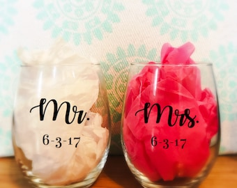 SET OF 2 - Engagement Wine Glasses - Stemless Wine Glasses - Custom Made Wine Glass - Personalized - Wedding - Wine
