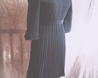 Superb black wool 1940s accordion pleated dress