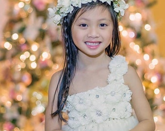beautiful flower girl dress with ivory