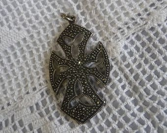 Vintage  cross sterling silver pendant