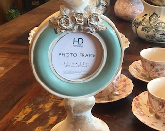 Really pretty bird photo frame in NEW Condition creams/Browns/greenish-turquoise